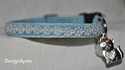 blue velvet breakaway cat collar
